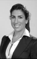 Daniella Chotzen, Broker
